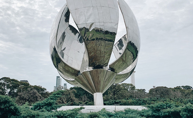 The Floralis Generica sculpture