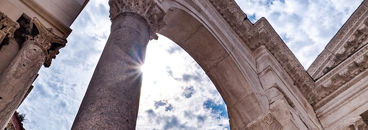 Sfinga na Peristalu