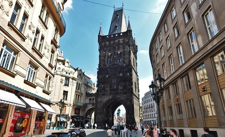 Barutana kula u Pragu