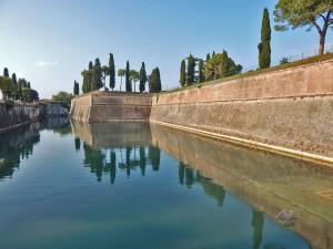 Mesto Peskiera del Grada na jezeru Garda