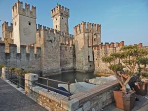 Sirmione zamak na jezeru Garda