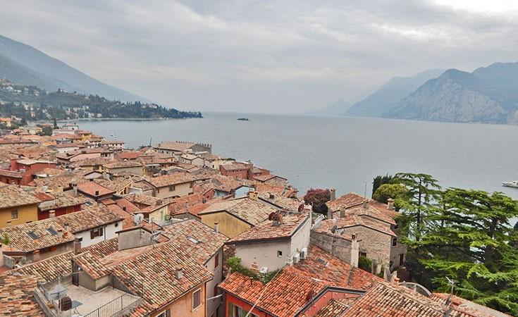 Malćezine mesto na jezeru Garda