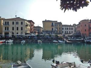 Mesto Peskiera del Garda na jezeru Garda