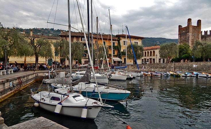 Benako kule na jezeru Garda