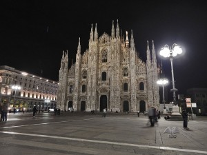 Milanski Duomo noću