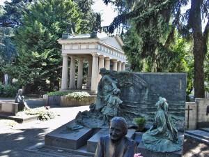 Makete hramova na Monumentalnom groblju u Milanu
