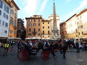 Piazza della Rotonda in front of Pantheon