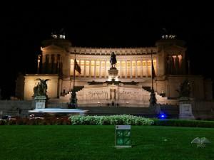 Vitorijano spomenik noću