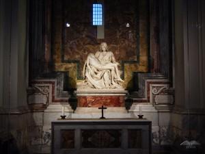 Michelangelo's statue- La Pieta