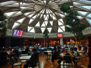 Restaurant area of the Nave de Vero shopping mall