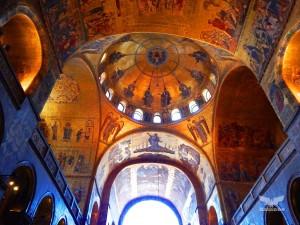 Basilica of San Marco, breathtaking interior frescoes in gold
