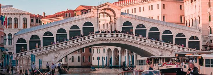 Bridge Rialto in Venice