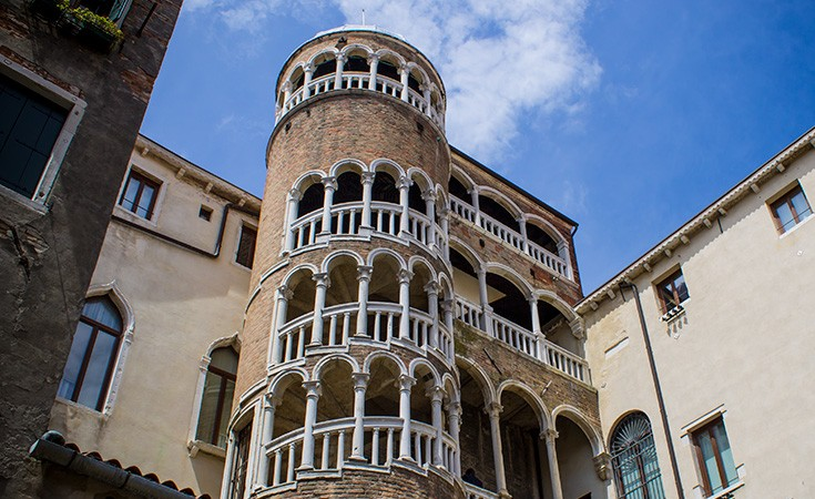 Stepenice Contarini del Bovolo u Veneciji