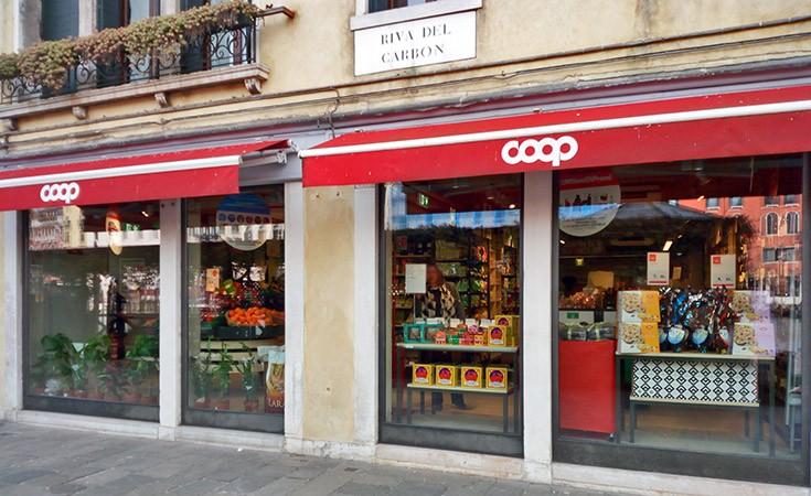 Coop supermarket pored Rialto mosta
