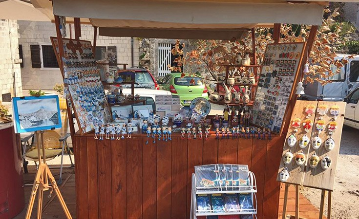 Souvenir shops in Perast