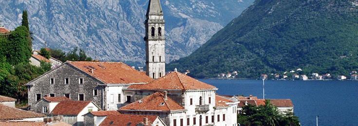 Zvonik i crkva Svetog Nikole