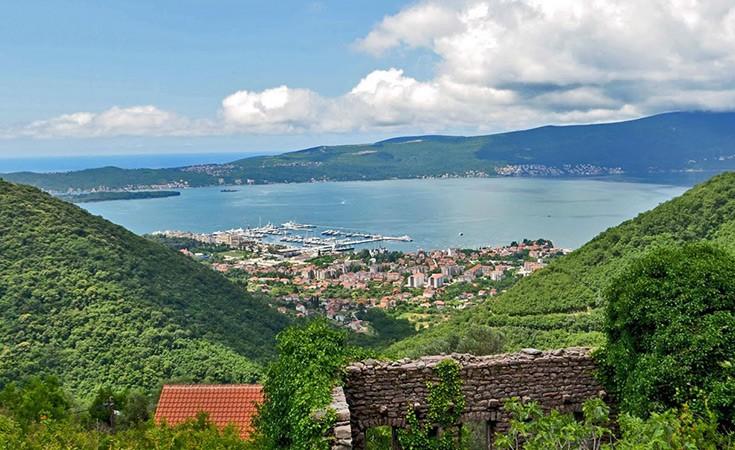 Village Gornja Lastva