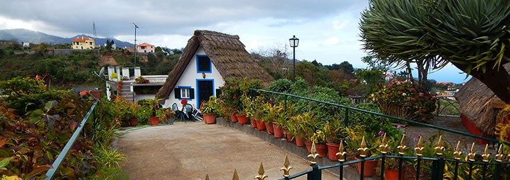 Santana traditional Madeira houses