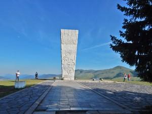 Spomenik streljanim partizanima na Zlatiboru