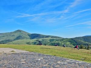 Pogled sa spomenika na Zlatiboru