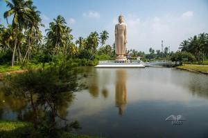 Cunami Budina statua