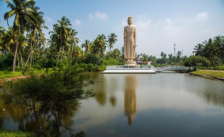 Budina statua Peralija Hikkaduwa