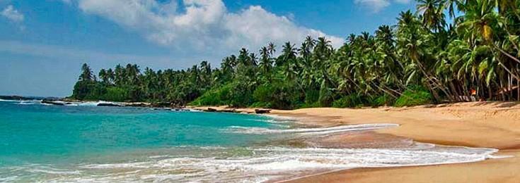 Trincomalee beach and the Pigeon Island