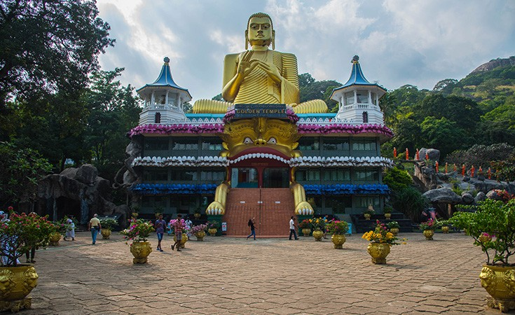 Golden Cave Temple in Dambulla